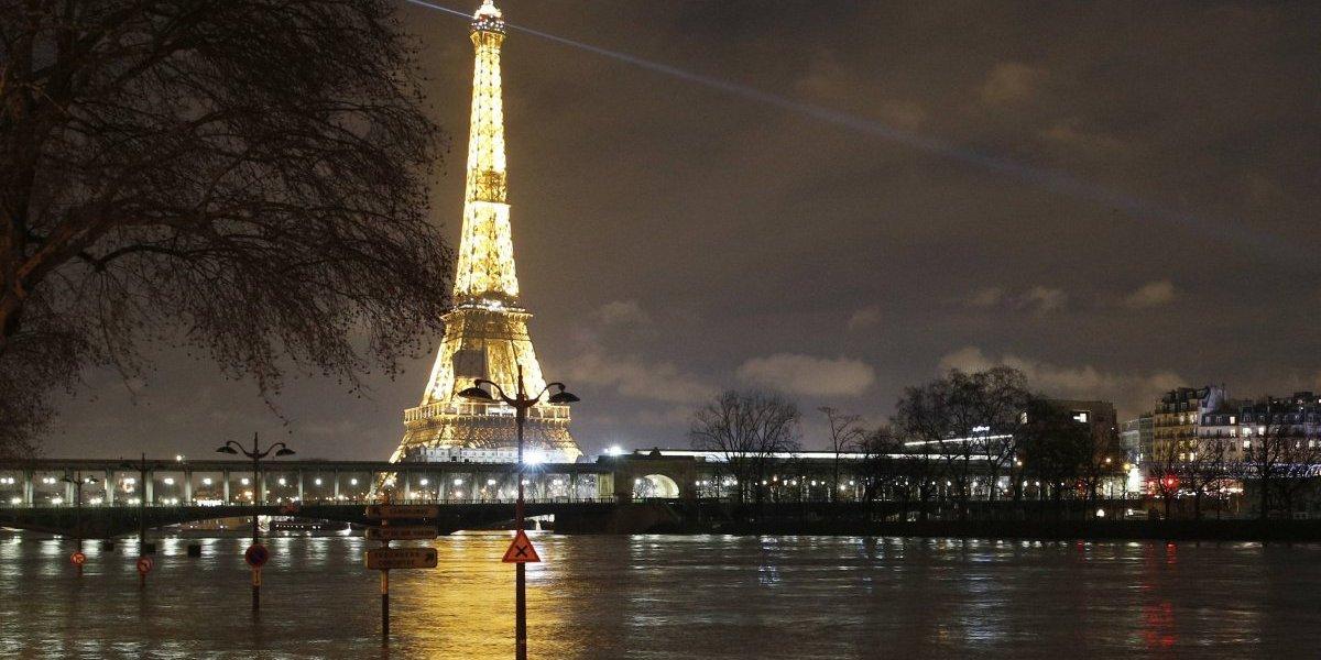 Crecidas amenazan Normandía tras tocar techo en París