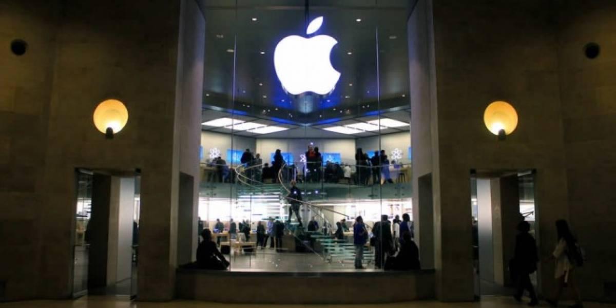 Hombre se viste como empleado y roba 19 iPhones de una Apple Store