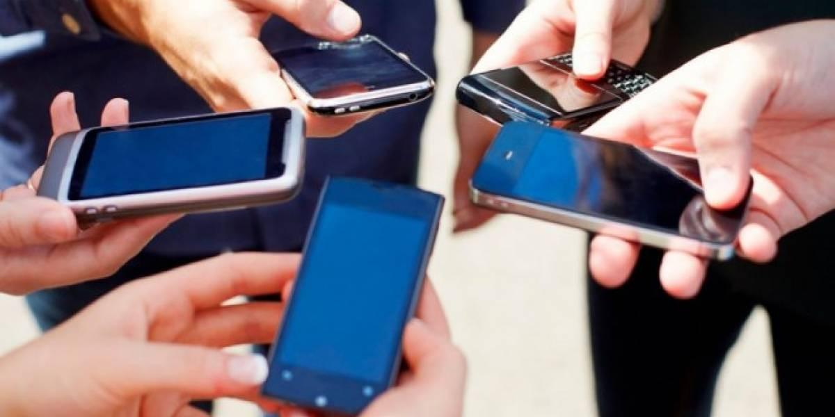 Caen ventas de smartphones por primera vez en veinte años