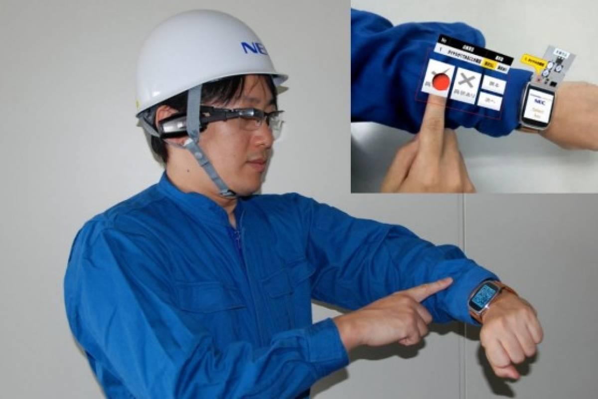 Convierte tu brazo en una tablet con este dispositivo