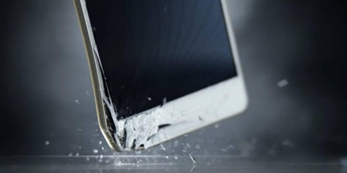Motorola utiliza varios smartphones para demostrar lo frágiles que son ante su nuevo Droid Turbo 2