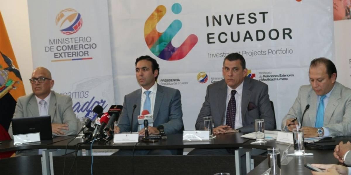 Ecuador firma contratos para inversión por 514 millones de dólares