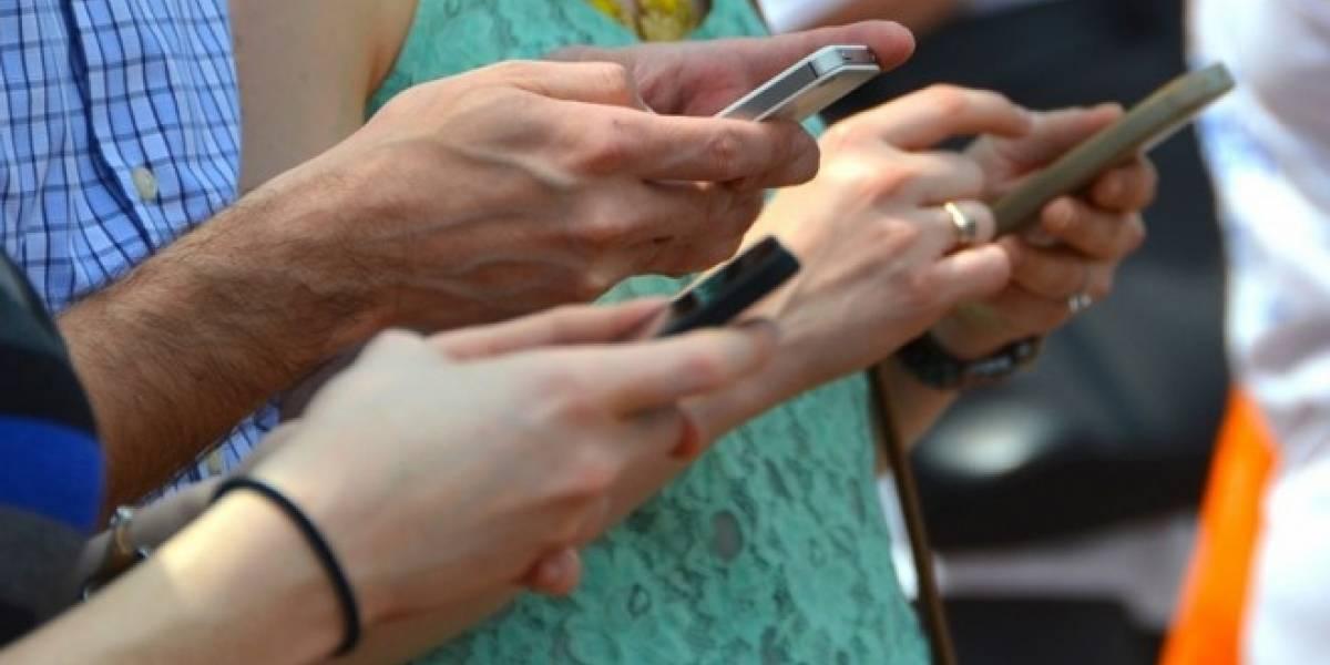 Chilenos utilizan más de 4 horas al día sus smartphones