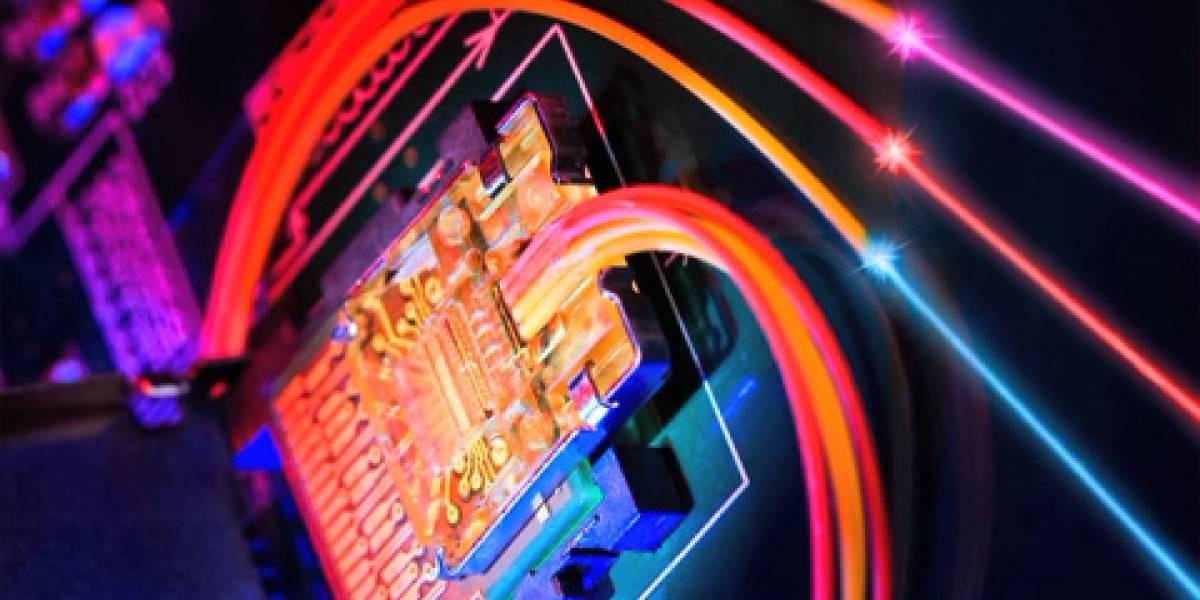 Primera versión de Intel Light Peak usará cobre en vez de luz
