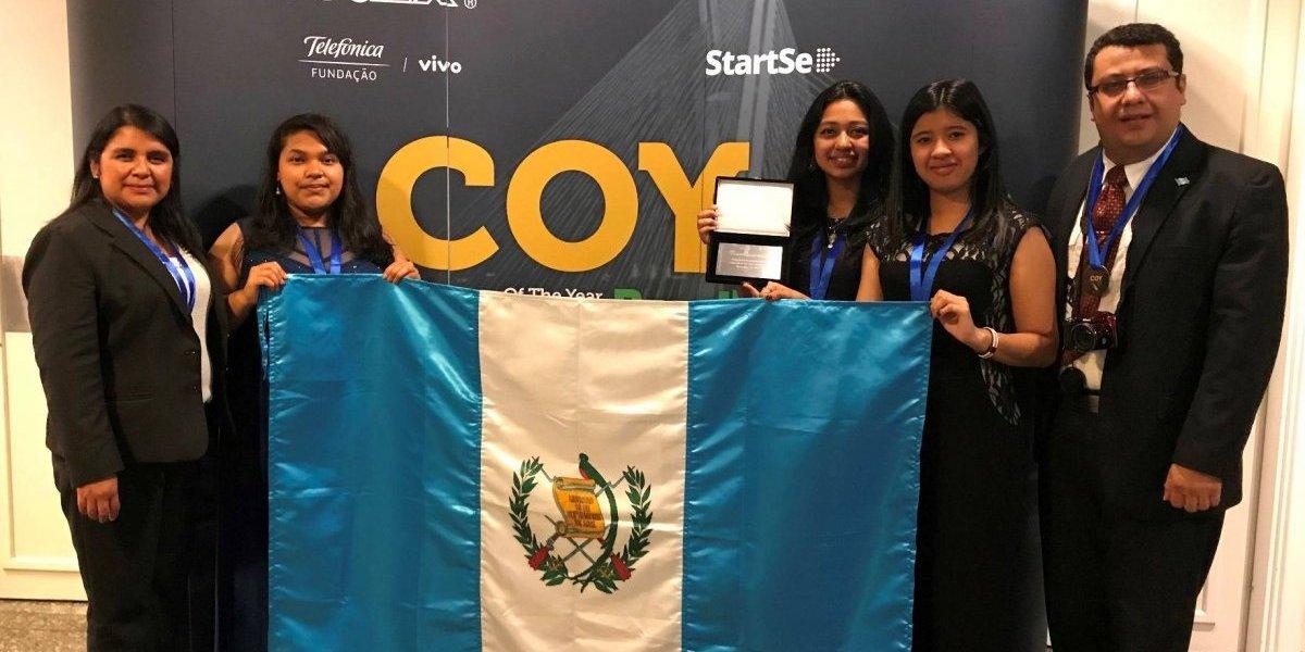 ¡Qué orgullo! Premian a estudiantes guatemaltecos por crear empresa ecológica