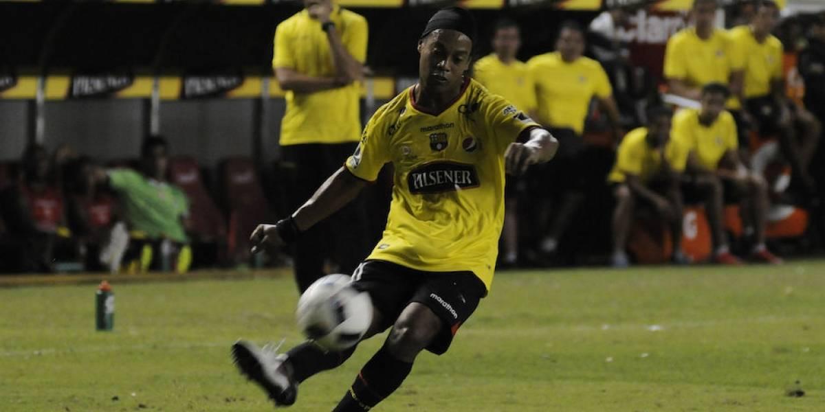 Ronaldinho se despediría del fútbol en Guayaquil