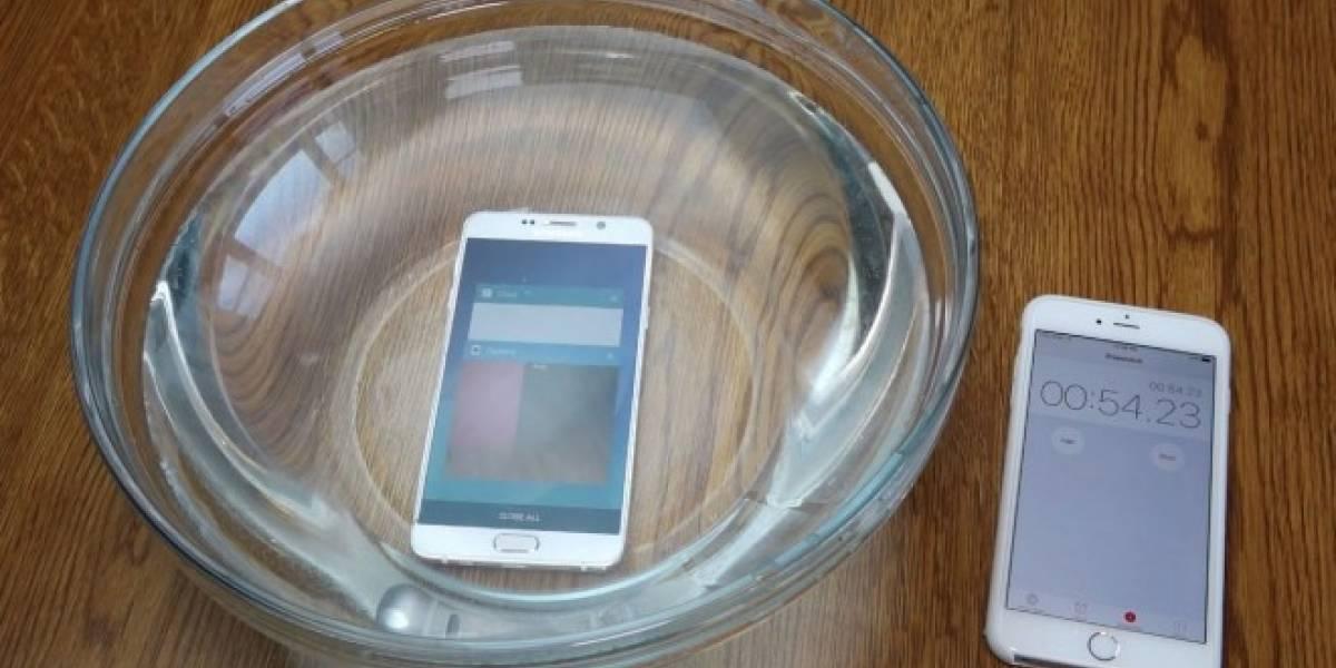 Sumergen en agua al Samsung Galaxy Note 5 ¿Resistirá?