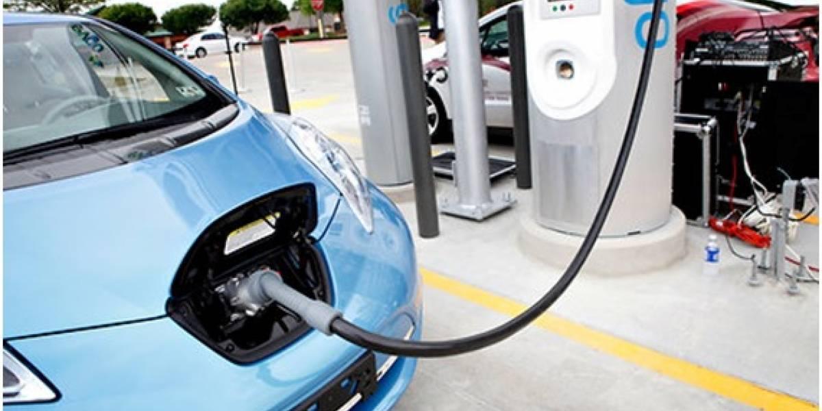 ¿Quieres cargar tu auto eléctrico en casa? Esto lo debes saber