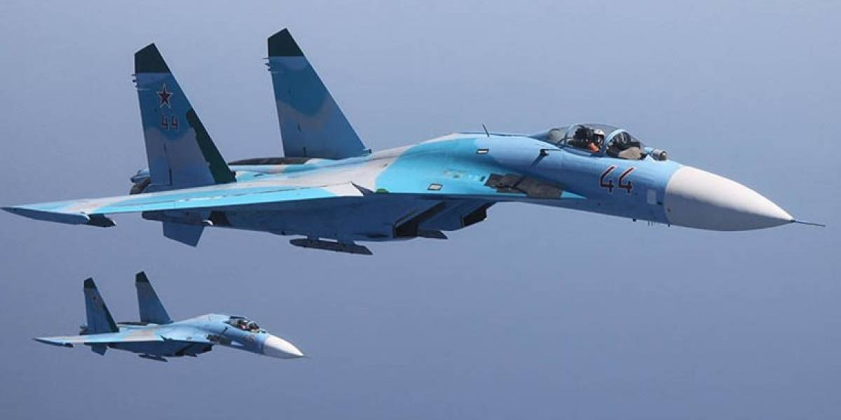 Acusa a Rusia de practicar maniobra militar peligrosa sobre Mar Negro