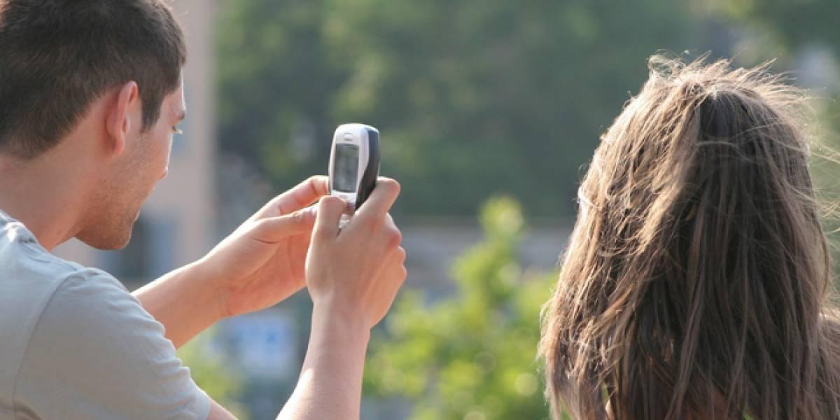 El 10% de los españoles ligan por Internet con el móvil en el trabajo