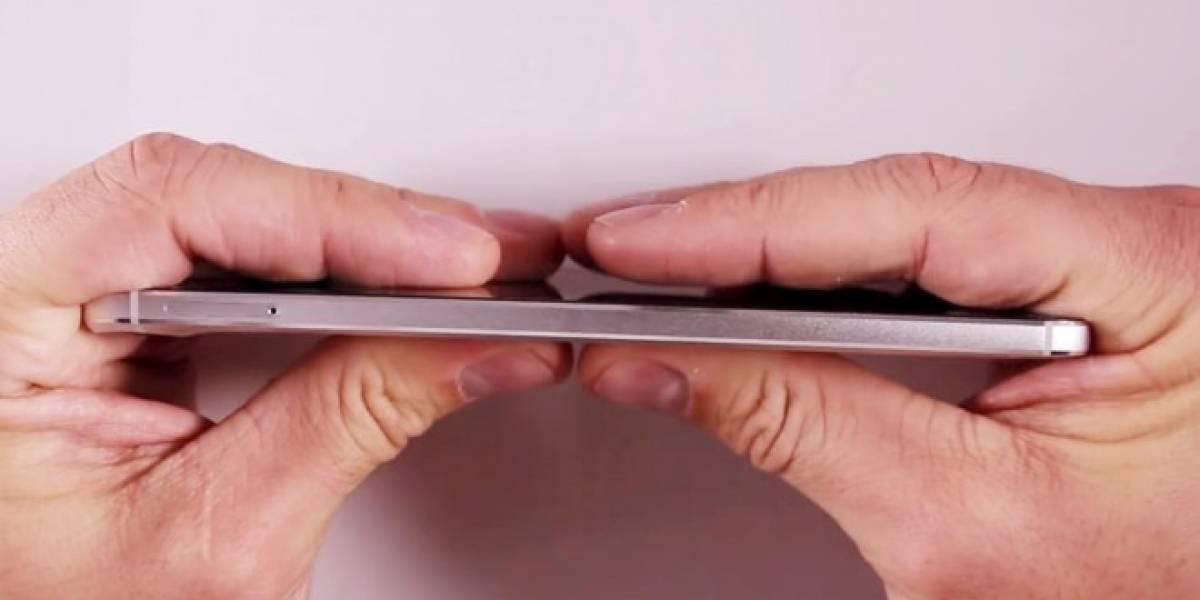 Este video muestra por qué se dobla tan fácil el Nexus 6P