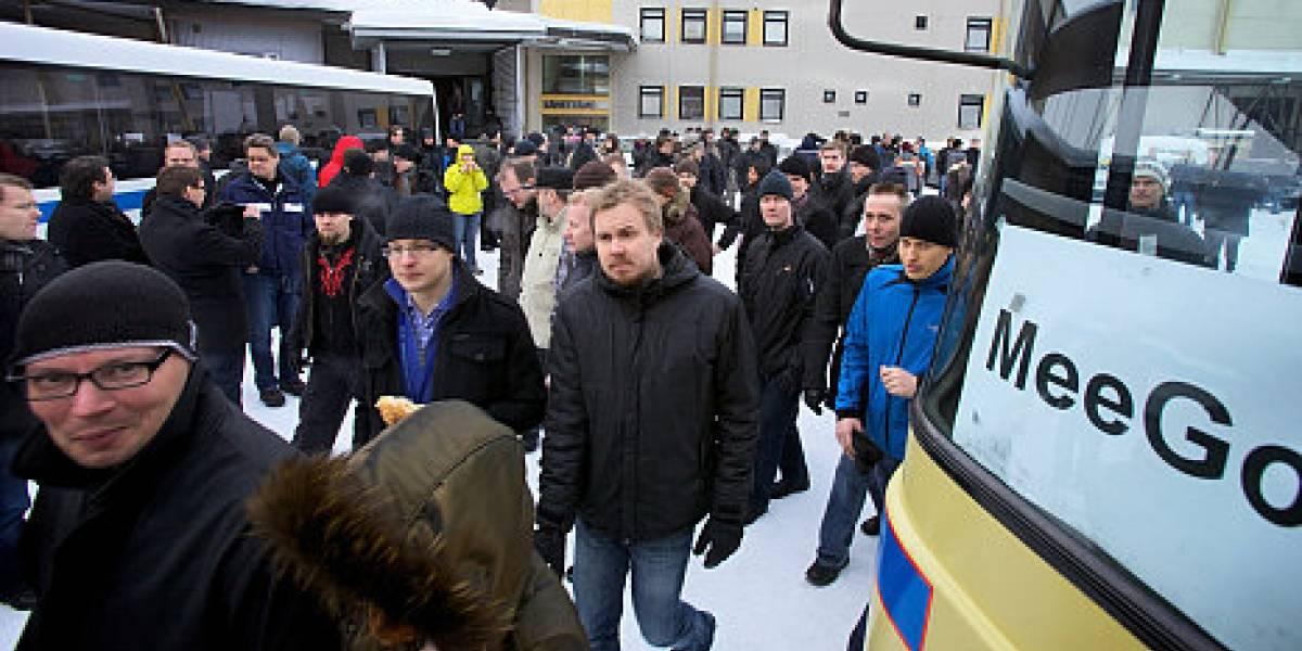 Empleados de Nokia abandonan las oficinas de Finlandia en protesta