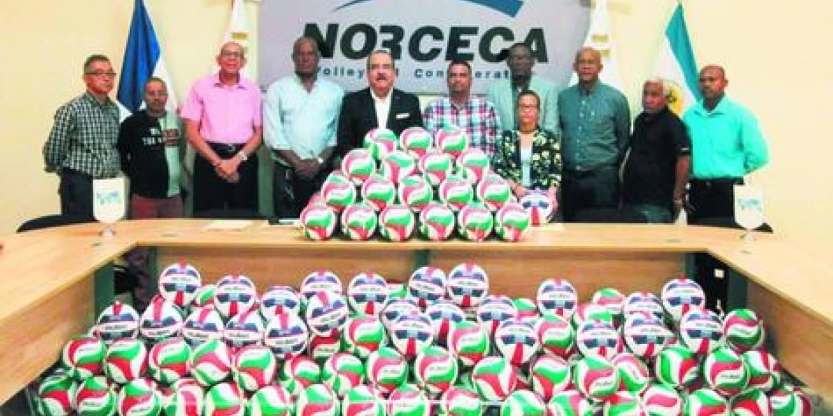 Norceca y la Molten donaron 450 balones a Fedovoli