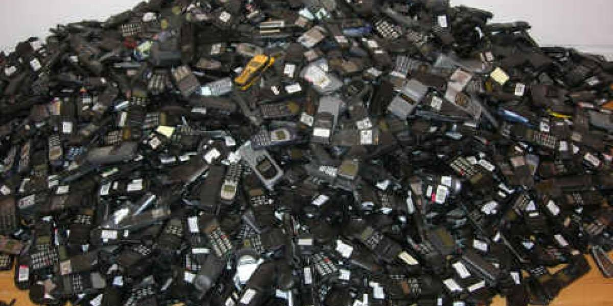 W Pregunta: ¿Cuál fue tu primer móvil?