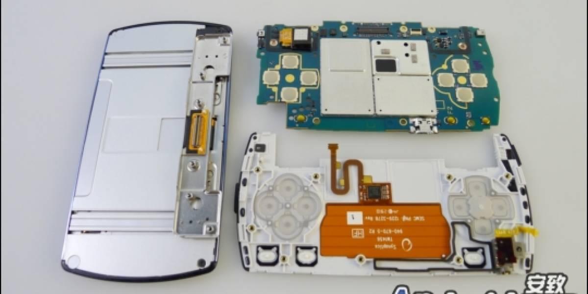 Un PSP Phone destripado paso a paso