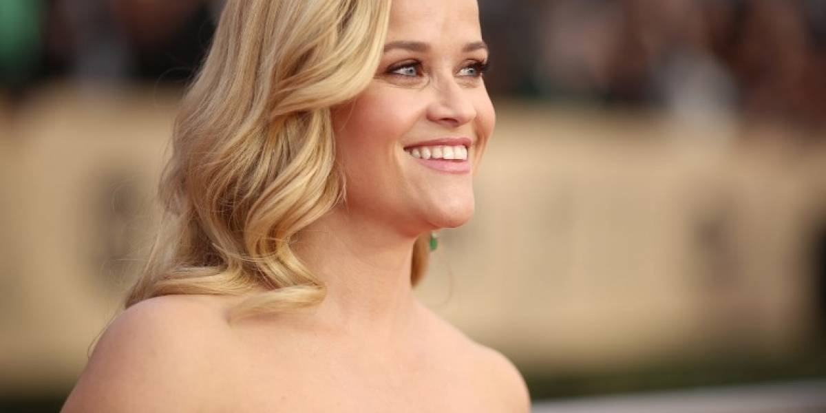 Reese Witherspoon reacciona ante terrible error de retoque en portada de Vanity Fair