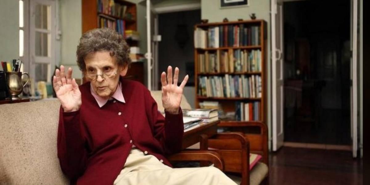 Elizabeth Hawley, cronista de alpinismo no Everest, morre aos 94 anos no Nepal
