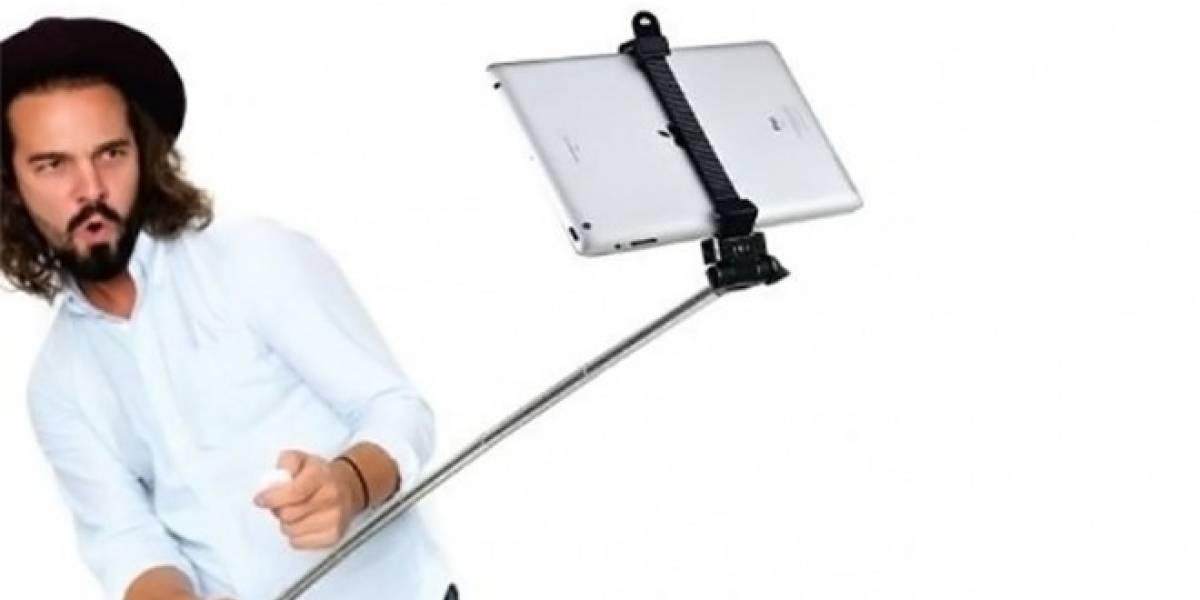 Alguien inventó un bastón de selfies para el iPad