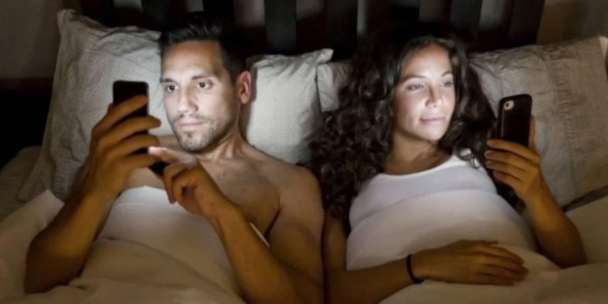 Resultado de imagen para smartphone cama
