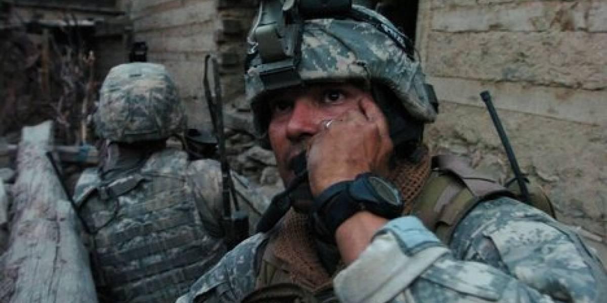 Suspenden del trabajo a mamá de soldado por contestar su llamada