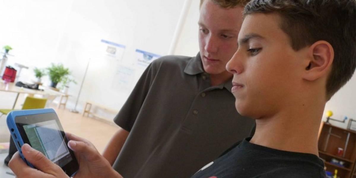 Estudio de la Universidad Católica confirma que uso de smartphones incide en el desempeño escolar