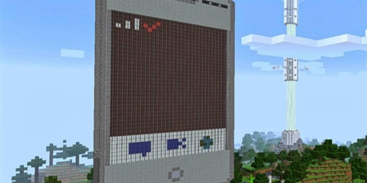 Este teléfono de Minecraft puede enviar mensajes y hacer llamadas