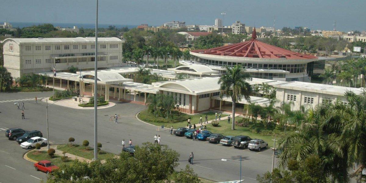 La UASD suspende docencia mañana por llamado a paro en la capital