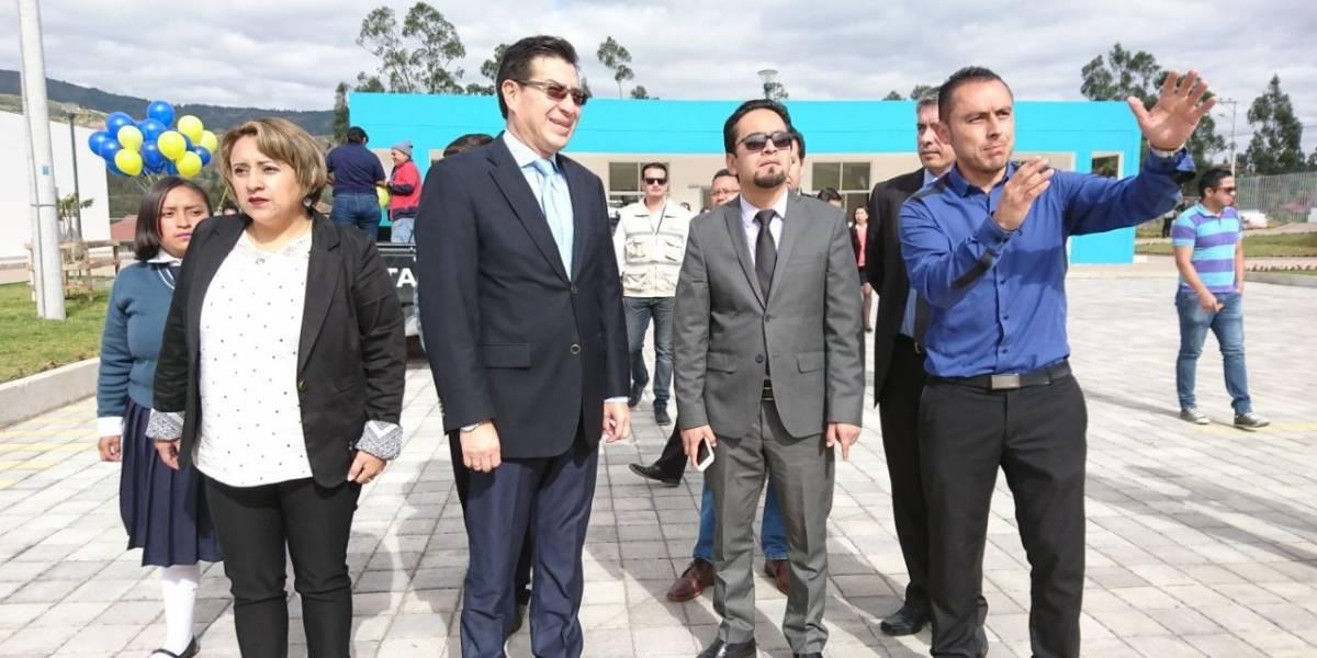 Ministerio de Educación inaugura nueva Escuela del Milenio en Cuenca