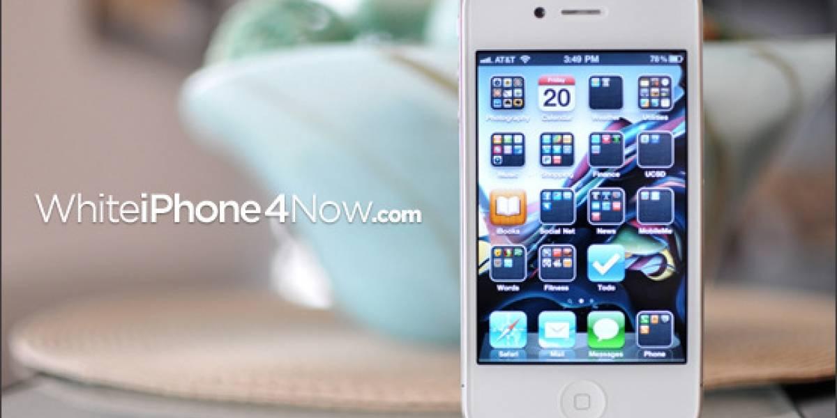 Colegial se aburrió de esperar el iPhone 4 blanco y abrió su propio negocio