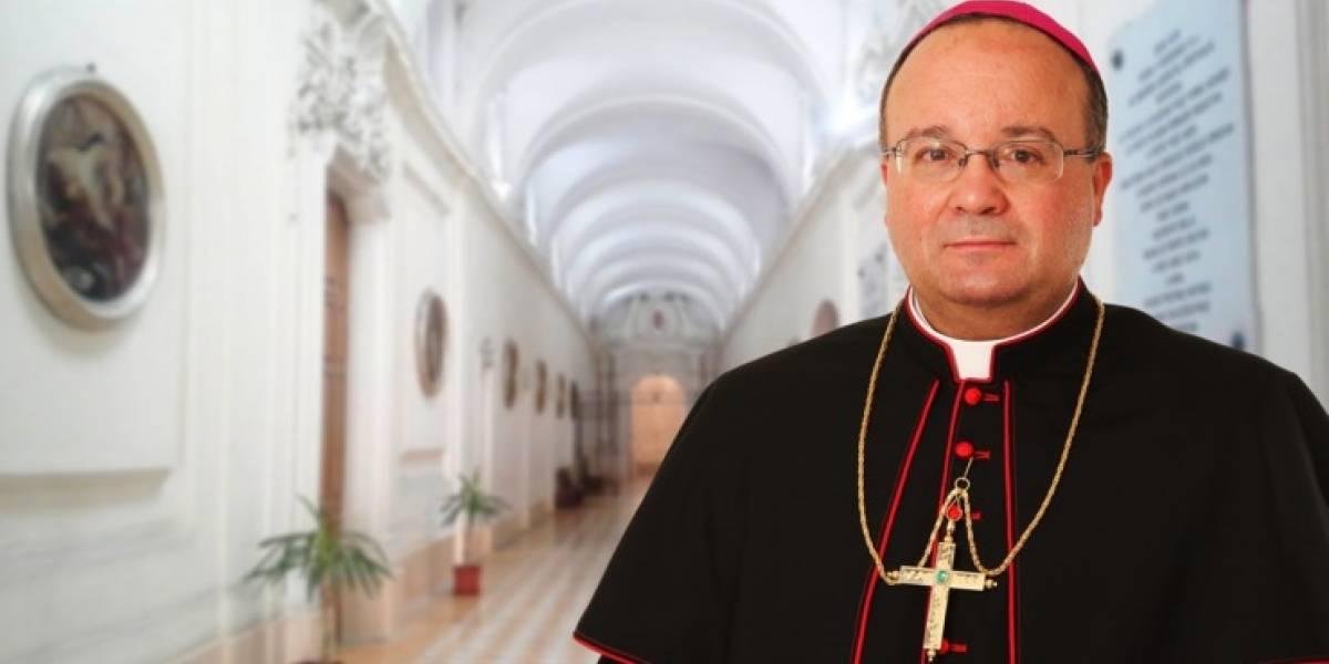Experto en protección infantil y polémico: Así es el enviado papal que investigará a Barros