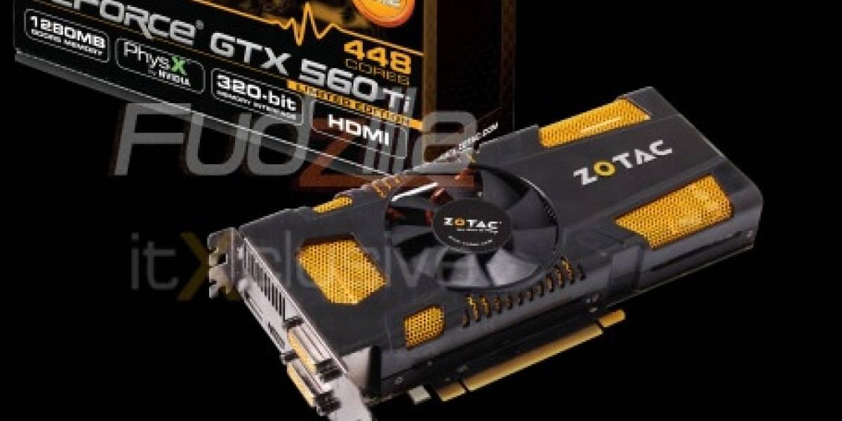 Zotac GTX 560 Ti 448 Cores posa para la cámara