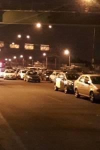 Taxistas informales cierran la Panamericana Norte