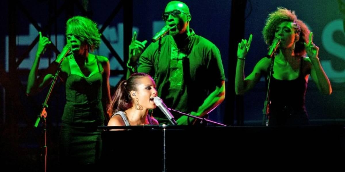 Alicia Keys está bloqueando los smartphones durante sus conciertos