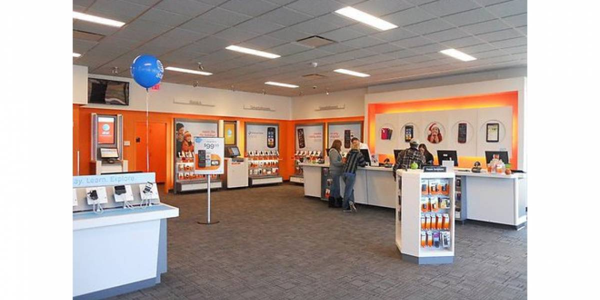 AT&T ordena a sus empleados ofrecer otros equipos antes de un iPhone