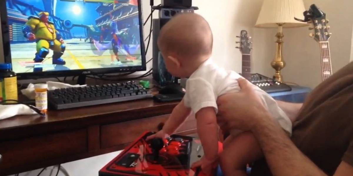 Un bebé de 6 meses supera el modo historia de Street Fighter V