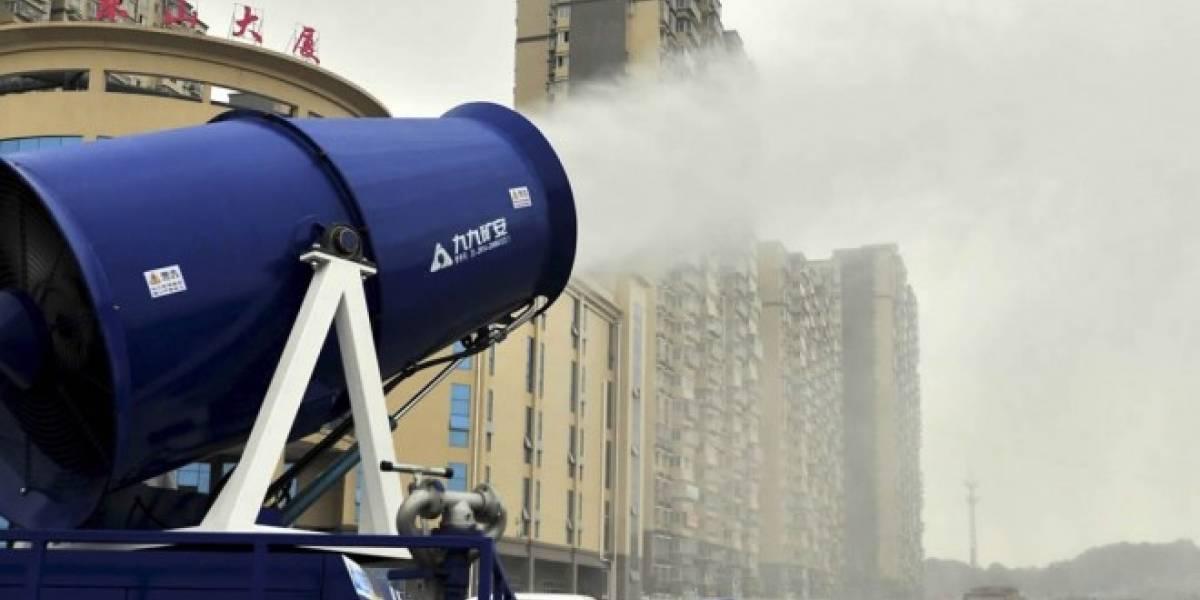 China combate la contaminación con cañones de niebla