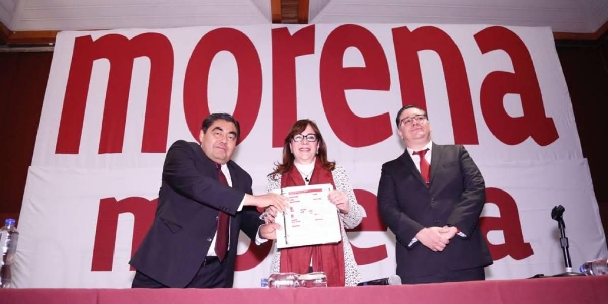 Miguel Barbosa se registra como precandidato al gobierno de Puebla