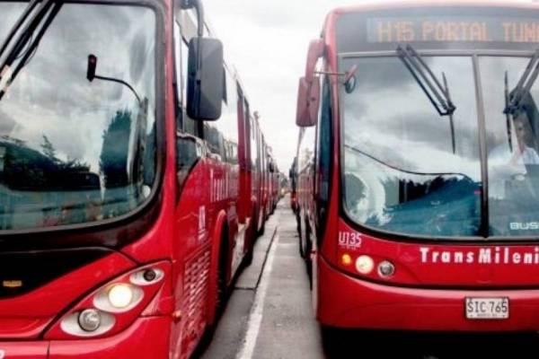 Suspenden licitación para renovar la flota de TransMilenio