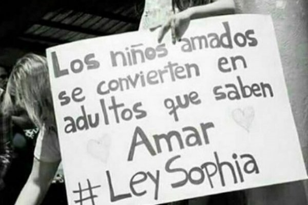 Famosos abogaron por Ley Sophia