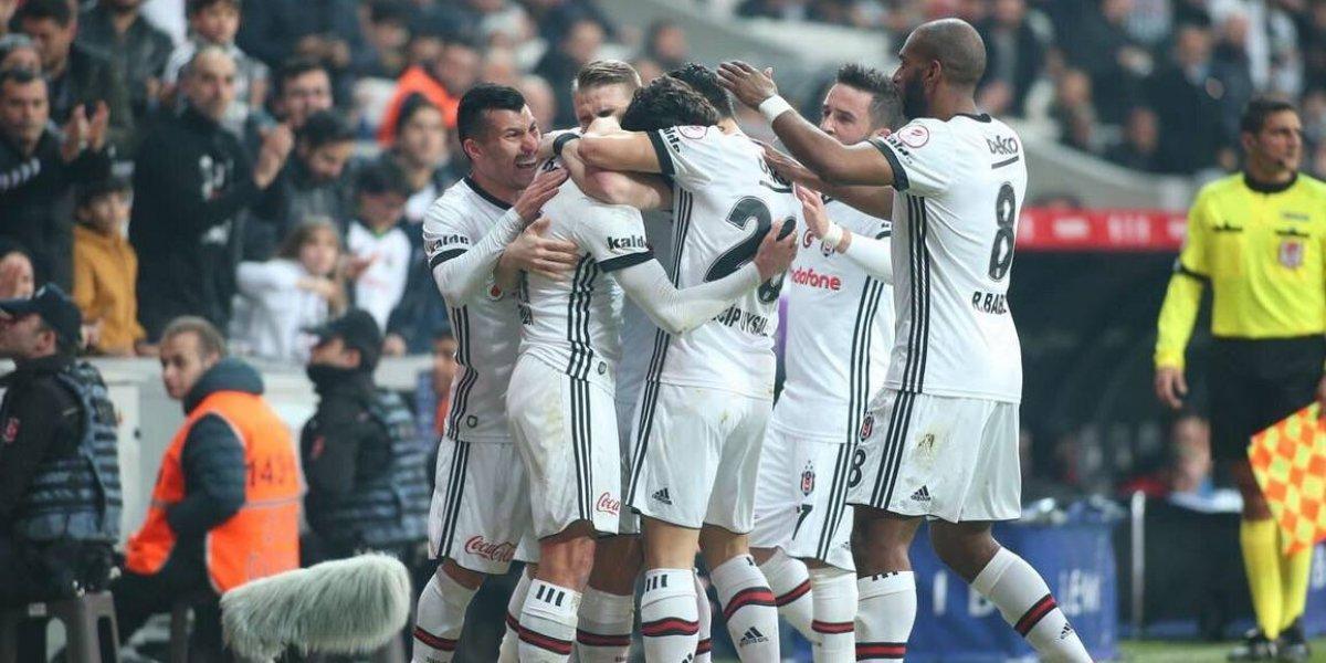 Medel se afianza como defensa central en nuevo triunfo del Besiktas