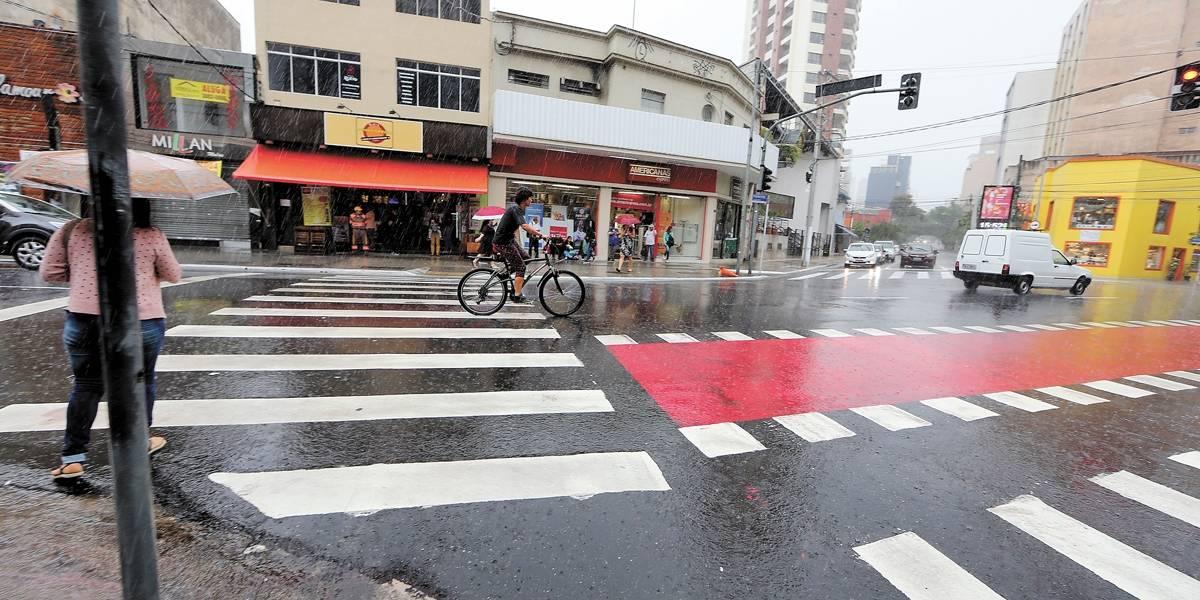 Ciclovias de São Paulo ganham novo padrão de sinalização horizontal