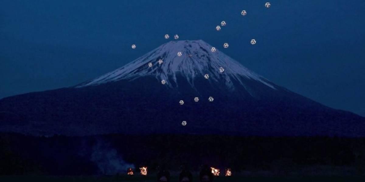 Ballet de drones danza sobre el Monte Fuji