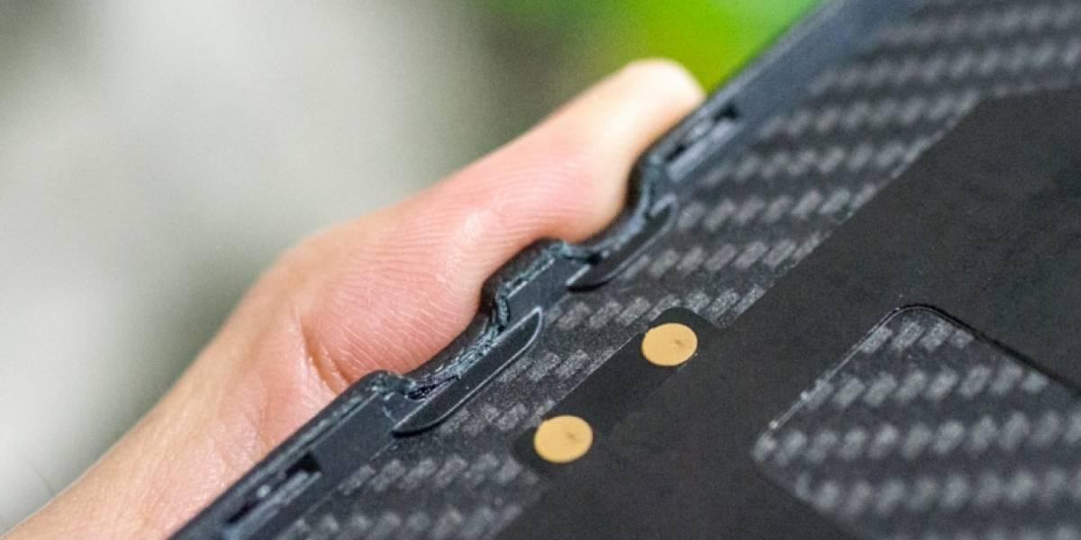 Más imágenes del BlackBerry P'9982 aparecen en la red