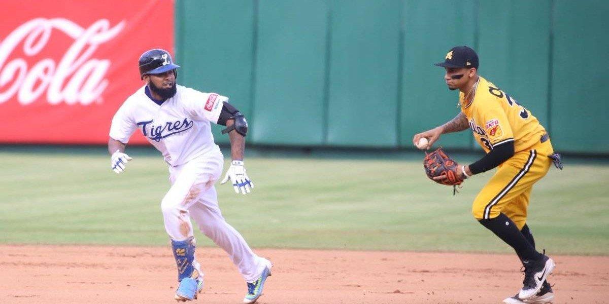 Tigres vencen Águilas y empatan final del béisbol dominicano