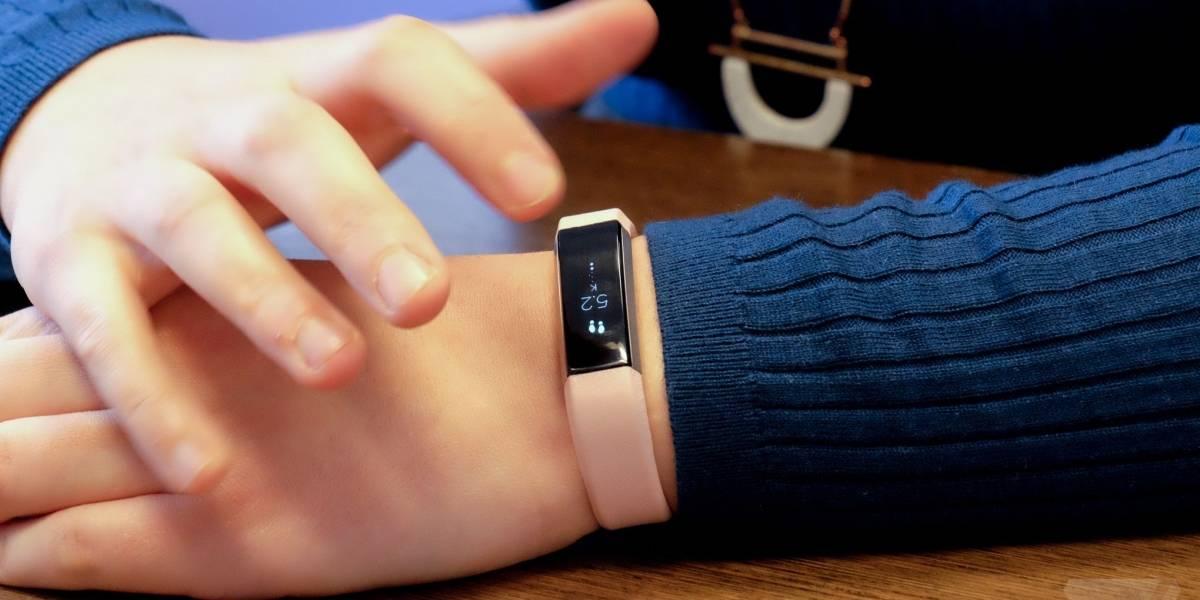 Fitbit está vendiendo tan poco que compañías que no se dedican a los vestibles le están ganando