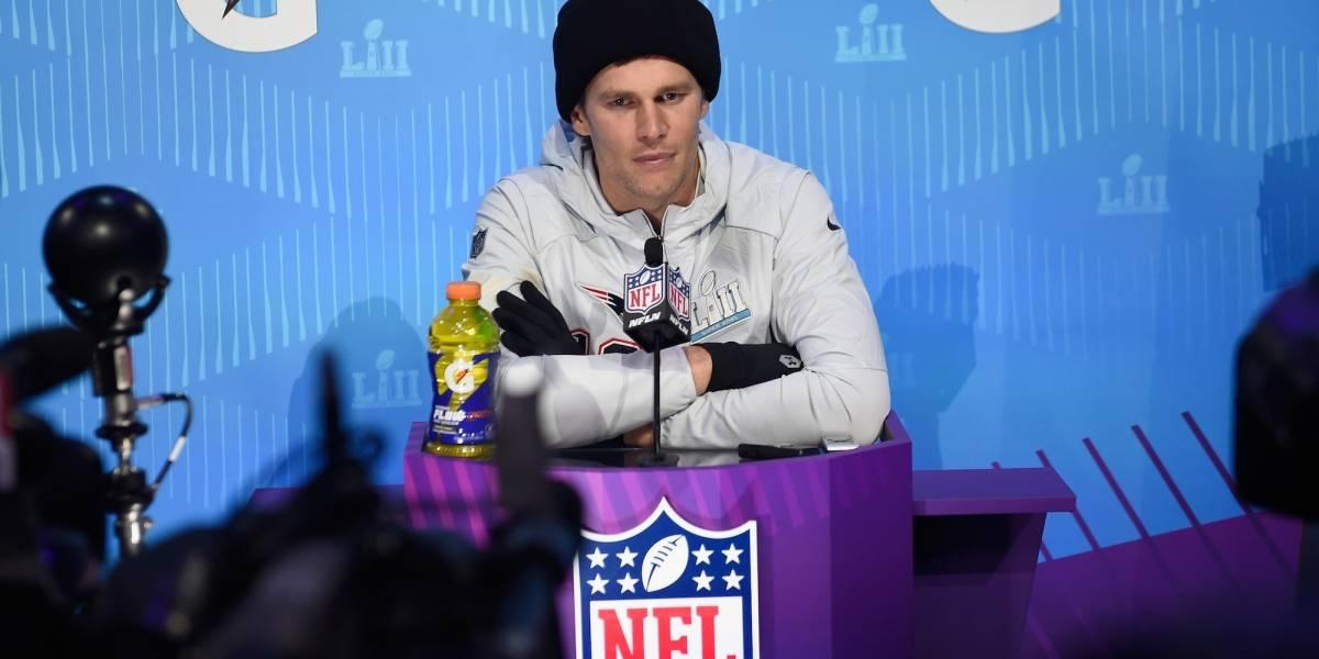 Tom Brady pide que no despidan a comentarista que ofendió a su hija