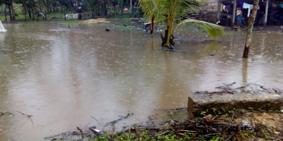 Lluvias generan inundaciones y deslizamientos en varios puntos