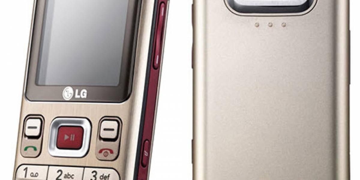 LG KM330: Con sonido tridimensional