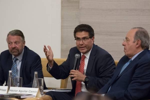 Unirse por la Presidencia, pide Ríos Piter a independientes