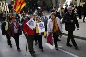 manifestacionesparlamentocataluna2-6875bc0f40696e60c6f55a68b89db1d7.jpg